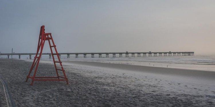 Lifeguard stand on